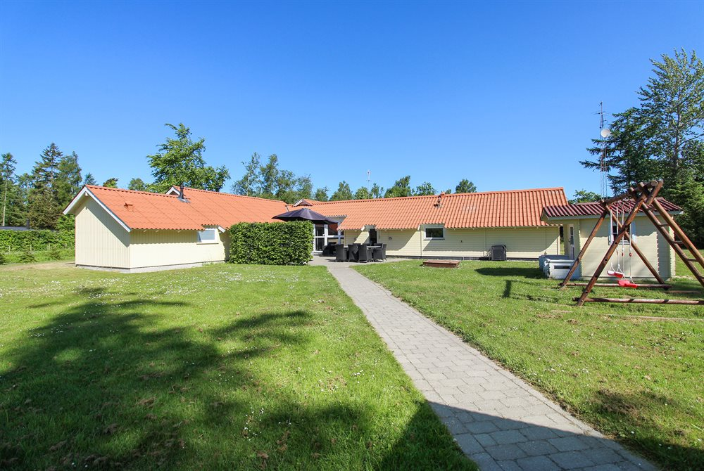 Holiday home in Marielyst for 16 persons