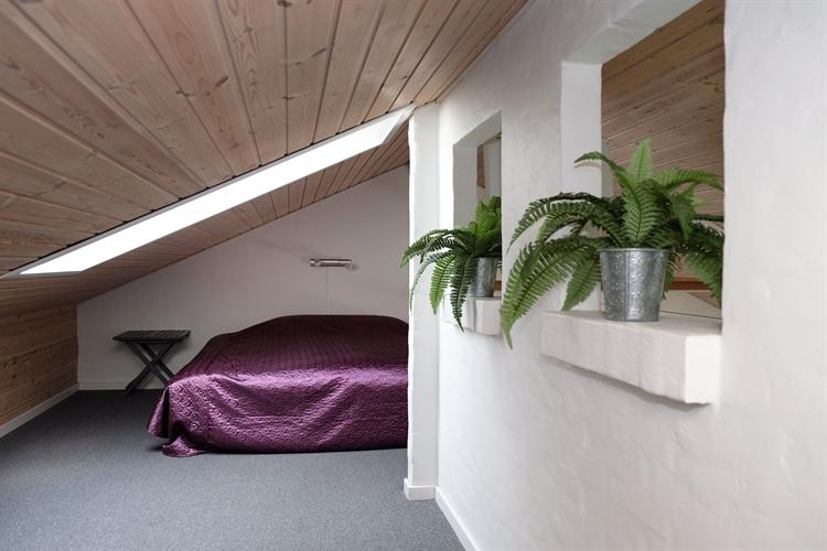 Bedroom Hems